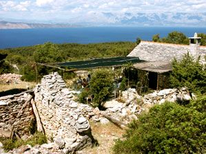 Rent an abandoned village - Humac on Hvar